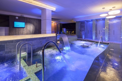 Hotel inntu medellin transversal 39 no circular 74 b 10 4448 for Aqua vista swimming pool aurora co